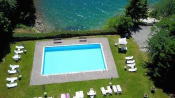 Piscina solarium grand hotel molveno vacanze in - Hotel a molveno con piscina ...